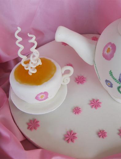 I Love Cake Design Fiorella : UN MONDO FATTO DI PASTA DI ZUCCHERO FOOL