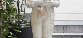 Donna con testa d'ariete, Female figure with aries head, 1998, travertino, travertine, cm.45x45x141h